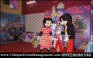 Birthdayparty-CartoonCharacter-Minie-MickeyMouse-ThemeDecoration-kidsBalloonParty-Udaipur-Rajasthan