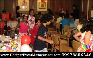 Kids-Birthdayparty-BalloonDecoration-Udaipur-Rajasthan-India