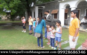 CorporateTeamBuildingOuting-Auto-BusAdvertising-Artist-Weddings-udaipur-rajasthan