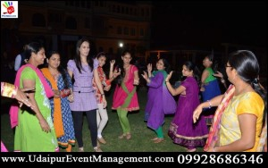 folkdancer-gettogether-ranakpur-corporateouting-EmployeeDay-Women'sDay-PromotionServices-udaipur-rajasthan